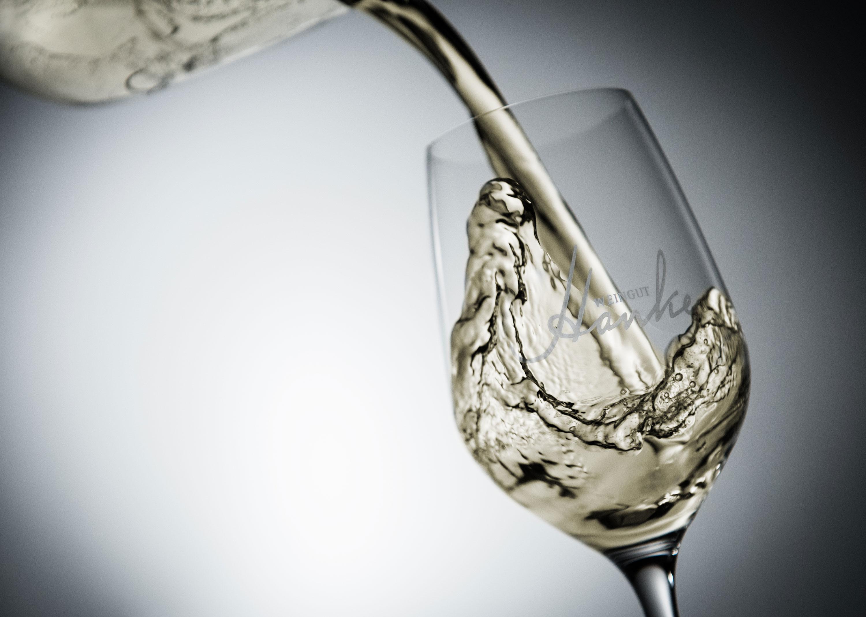 Weingut Hanke Glas 3000x2138px